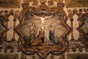 Passió - Jézus meghal a kereszten. Miseruha részlete (Fotó: Legeza Dénes István)