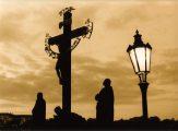 Jézus a kereszten - Prága, Károly híd (Fotó: Legeza Dénes István)