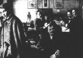 Ady Endre 1898-ban a Debreceni Reggeli Újság szerkesztőségében - az Ady Endre c. diafilm részlete(fotó: Kiss Ferenc)