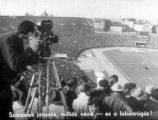 Stadion képe (A labdarúgás szabályai c. diafilm részlete)