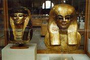 Egyiptomi szoborfők. Kairó, Egyiptomi Múzeum(fotó:                             Konkoly-Thege György)