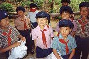 Észak-koreai úttörők(fotó: Konkoly-Thege György)