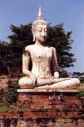 Meditáció. Thaiföldi Buddha-szobor (fotó: Konkoly-Thege                             György)