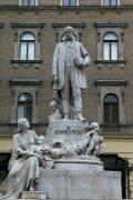 Semmelweis Ignác szobra - Budapest (Fotó: Legeza Dénes István)