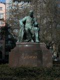 Stróbl Alajos: Jókai Mór szobra - Budapest, Terézváros (Fotó: Legeza Dénes István)