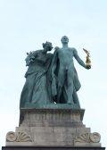Zala György: Tudás és Dicsőség - Budapest, Milleniumi emlékmű (Fotó: Legeza Dénes István)