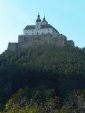 A Szent Rozália-hegy Fraknó várával - Burgenland, 2005 (Fotó: Vimola                         Ágnes)