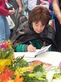 Szabó Magda dedikál – 2006                         (Fotó: Vimola Ágnes)
