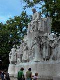 Vörösmarty szobra a róla elnevezett téren, Budapesten(fotó: Vimola Ágnes)