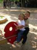 Játszó gyermekek (fotó: Vimola Ágnes)