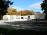 A munkásmozgalmi emlékmű a Kerepesi temetőben(fotó: Perdy-Fazakas                         Brigitte)