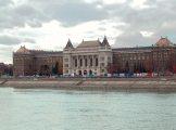 A Budapesti Műszaki Egyetem duna-parti épülete (Fotó: Vimola Ágnes)