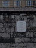 Salkaházi Sára emléktábla a Szabadság híd pesti hífőjénél (Fotó: Vimola Ágnes)