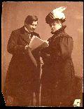 Móricz Zsigmond olvassa Blaha Lujzának a Sári Bírót - Országos Széchényi Könyvtár(ismeretlen fényképész felvétele)